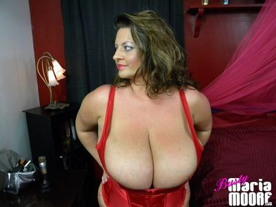 Busty Maria Moore download